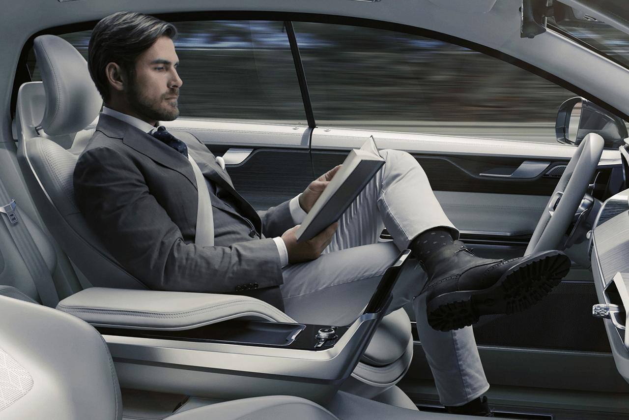 Renault-véhicule-autonome-intérieur
